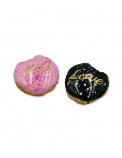Love Kiss Donuts.